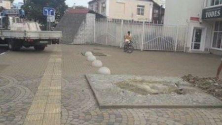 Место, где стоял памятник (иллюстрация с сайта ЯПлакалъ)