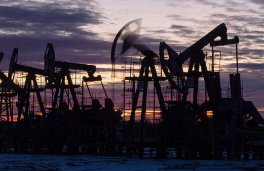 Нефтедобыча (иллюстрация - фото агентства Блумберг)
