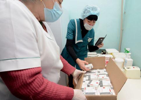 Первая партия вакцины Спутник V доставлена в Донецк. 31.01.2021 г. (фото с сайта ДАН)