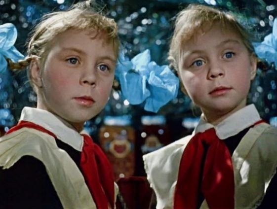 Советское кино придёт в школы. Кадр из фильма «Королевство кривых зеркал» (иллюстрация из открытых источников)