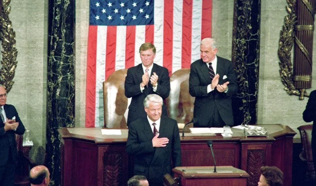 Ельцин в конгрессе США (иллюстрация - стоп-кадр видео)