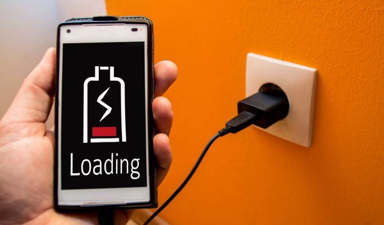 Разряженная батарея смартфона