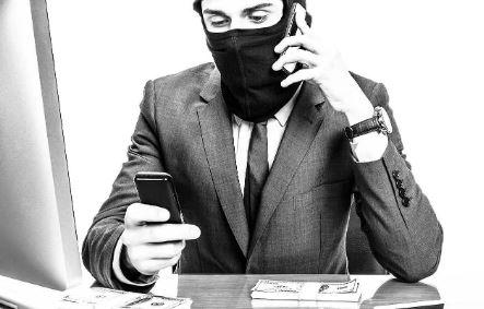 Мошенники используют чужие голоса для взятия кредита (иллюстрация из открытых источников)