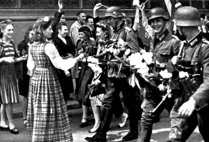 Прибалтика встречает немецких оккупантов (иллюстрация из открытых источников)