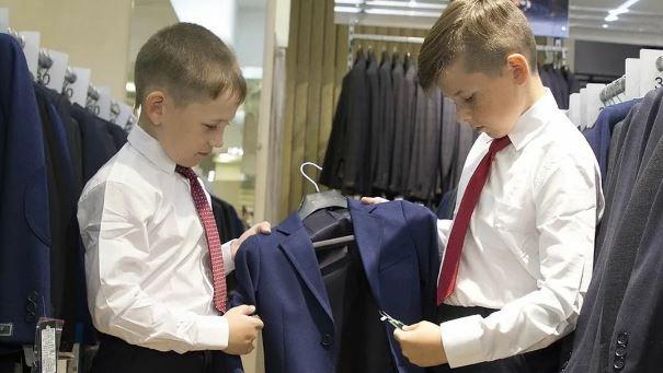 Единовременную выплату на школьников семьи получат до 17 августа (фото с сайта moi-goda.ru)