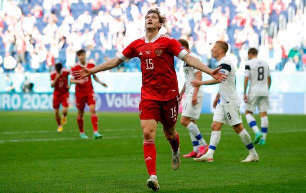 Российские футболисты обыграли финнов в матче на Евро-2020 (фото со страницы сборной России в Твиттер)
