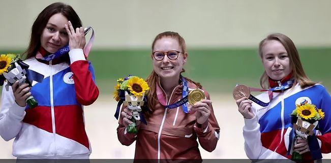 Стрелки Юлия Зыкова, Нина Кристен, Юлия Каримова